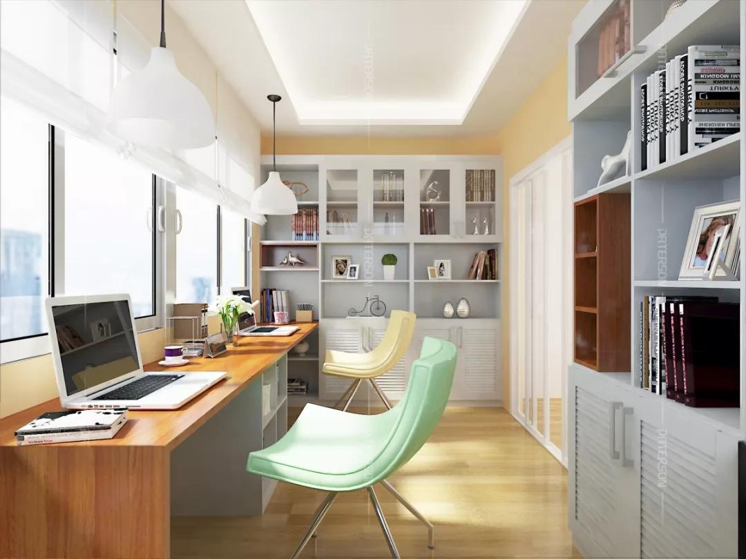 一个家庭里若是有一个书房,将会对这个家庭的教育起到非常大的帮助。也许,你家的空间不够大,不能任性到可以在家里腾出一个房间来当书房,但书房其实并不一定要一个很大的空间。下面可以欣赏一下小书房装修效果图,这些能充分利用空间的小型书房365bet体育开户网址_365体育投注怎么玩_365bet体育开户可以让小户型家庭也能拥有一个书房。 小书房装修效果图一,卧室是潜在的书房  可以选择机能性强的书柜延伸书桌365bet体育开户网址_365体育投注怎么玩_365bet体育开户,这样可以节省空间。这种365bet体育开户网址_365体育投注怎么玩_365bet体育开户特别合适面积小的卧室,机能性强的书桌,可以让你的书桌在卧室伸缩自如。  衣柜与书柜成L型布局365bet体育开户网址_365体育投注怎么玩_365bet体育开户,同时简易书桌融合书柜的365bet体育开户网址_365体育投注怎么玩_365bet体育开户,可以让空间看起